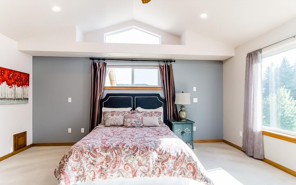 master bedroom before makeover.