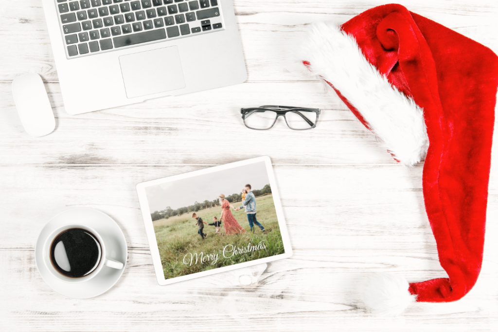 christmas photo cards, holiday photo cards, christmas cards with family pictures, how to make christmas photo cards, easy steps to create christmas cards, easy steps to create holiday cards.